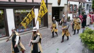 Marsch auf das Talmarktgelände