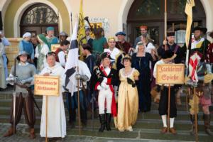 Aufstellung vor dem Rathaus
